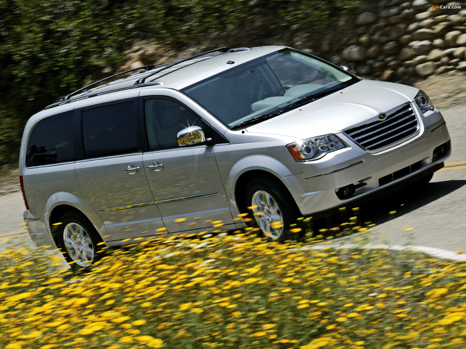 Chrysler Town & Country 2007–10 wallpapers (1600 x 1200)