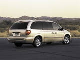 Chrysler Town & Country 2000–04 wallpapers