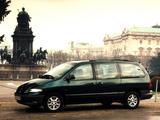 Chrysler Grand Voyager UK-spec 1995–2000 pictures