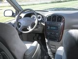 Chrysler Voyager 2004–07 photos