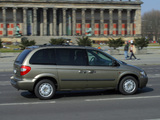 Chrysler Voyager 2004–07 pictures