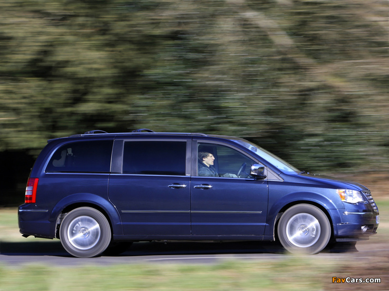 Images of Chrysler Grand Voyager UK-spec 2008–10 (800 x 600)