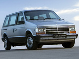 Photos of Chrysler Voyager 1987–90