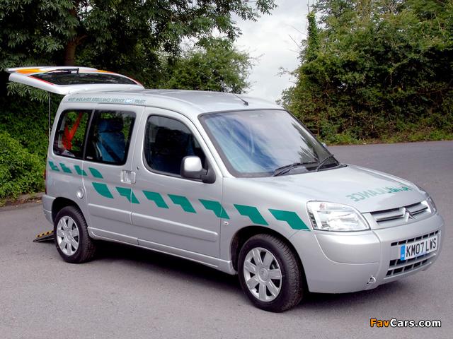 Citroën Berlingo Ambulance UK-spec 2002–08 pictures (640 x 480)