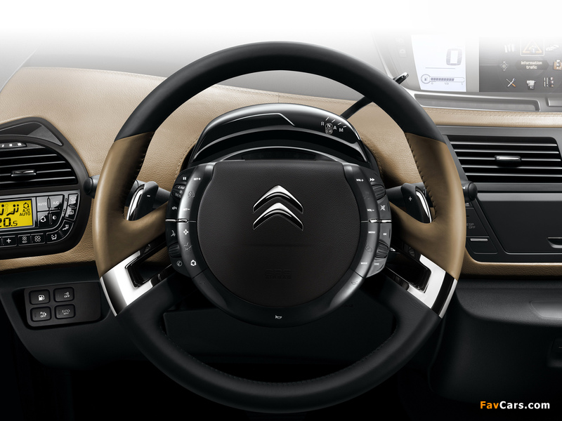 Citroën C4 Picasso 2010 photos (800 x 600)