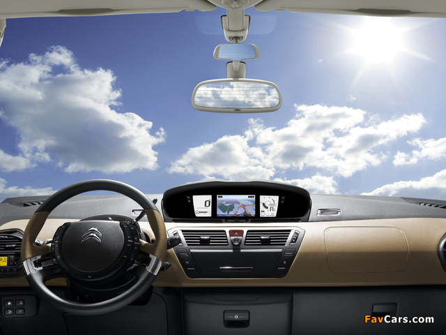 Pictures of Citroën C4 Picasso 2010 (640 x 480)
