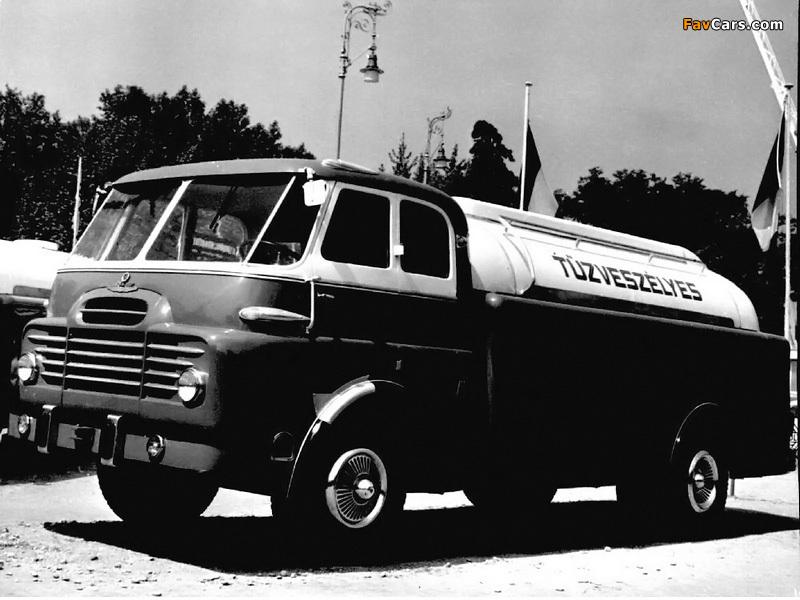 Csepel D710 1976–87 photos (800 x 600)