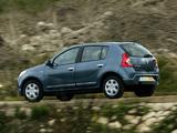 Photos of Dacia Sandero 2008