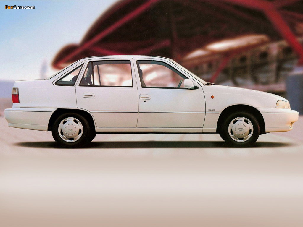 Daewoo Cielo Sedan 1994–97 images