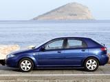 Daewoo Lacetti Hatchback SX 2004–09 photos