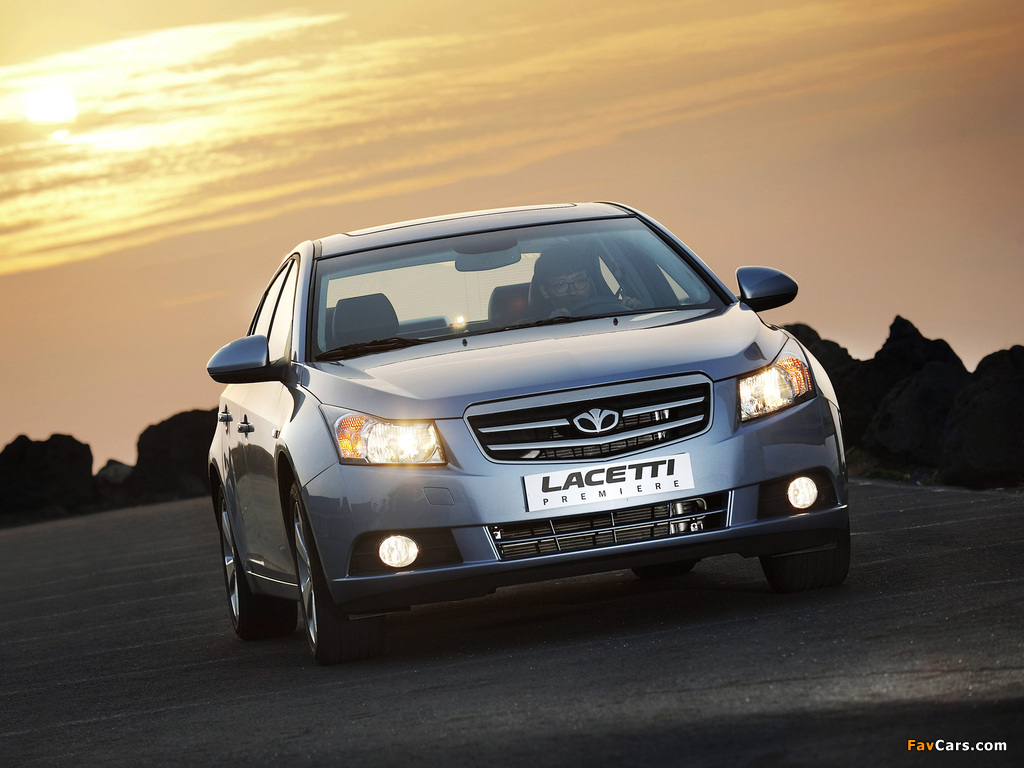 Photos of Daewoo Lacetti Premiere (J300) 2009–11 (1024 x 768)