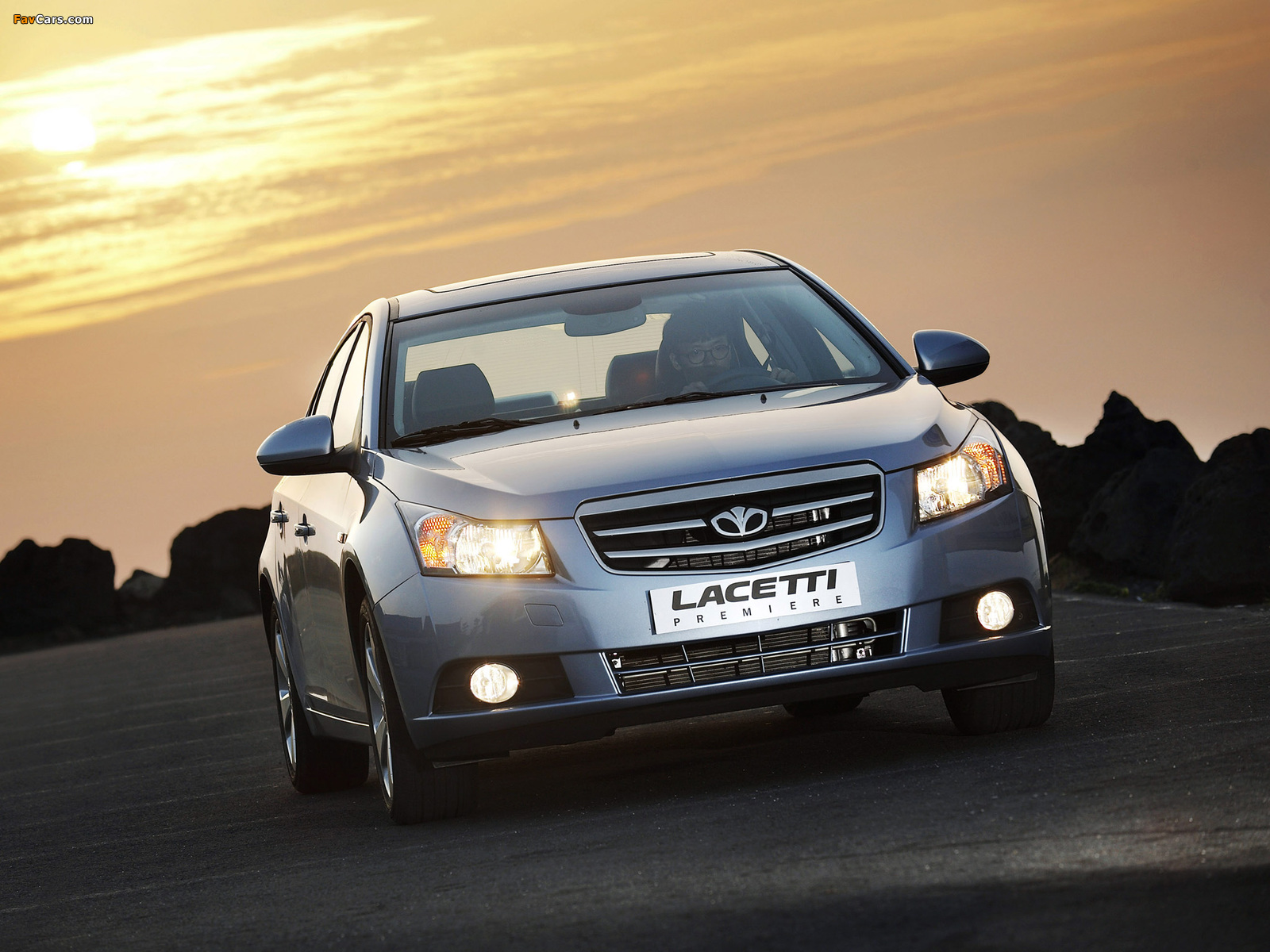 Photos of Daewoo Lacetti Premiere (J300) 2009–11 (1600 x 1200)