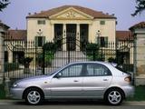 Photos of Daewoo Lanos 5-door (T150) 2000–03