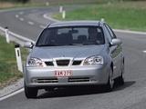 Daewoo Nubira Sedan 2003–04 photos