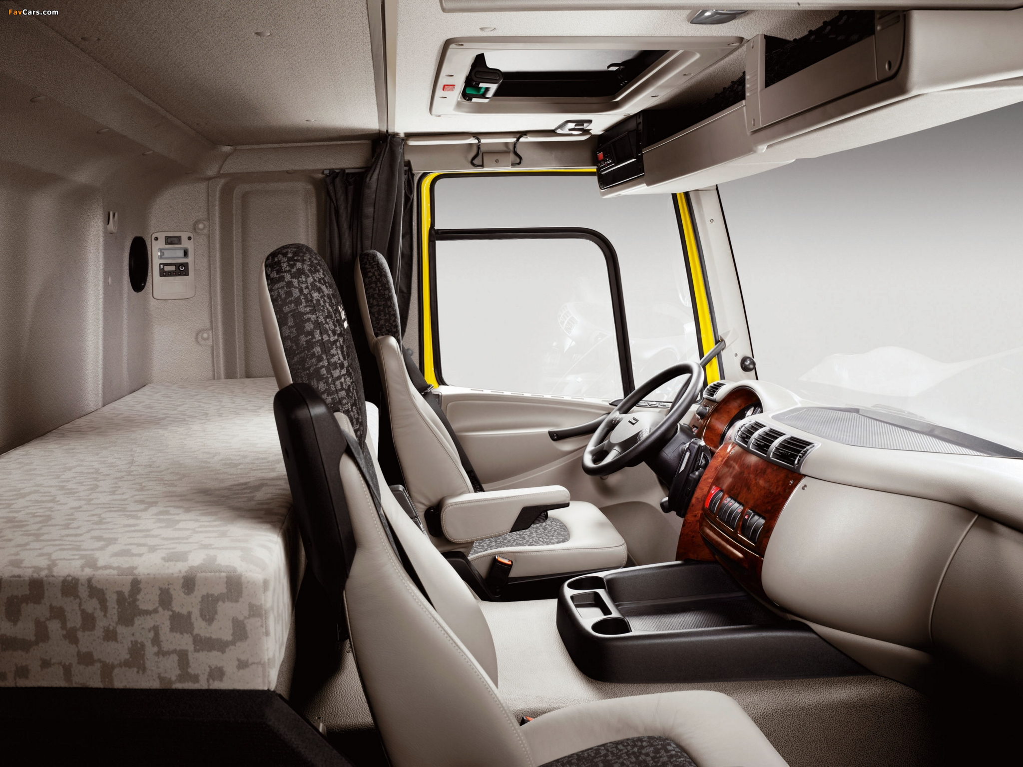 DAF CF75.360 4x2 FA Sleeper Cab 2006–13 wallpapers (2048 x 1536)