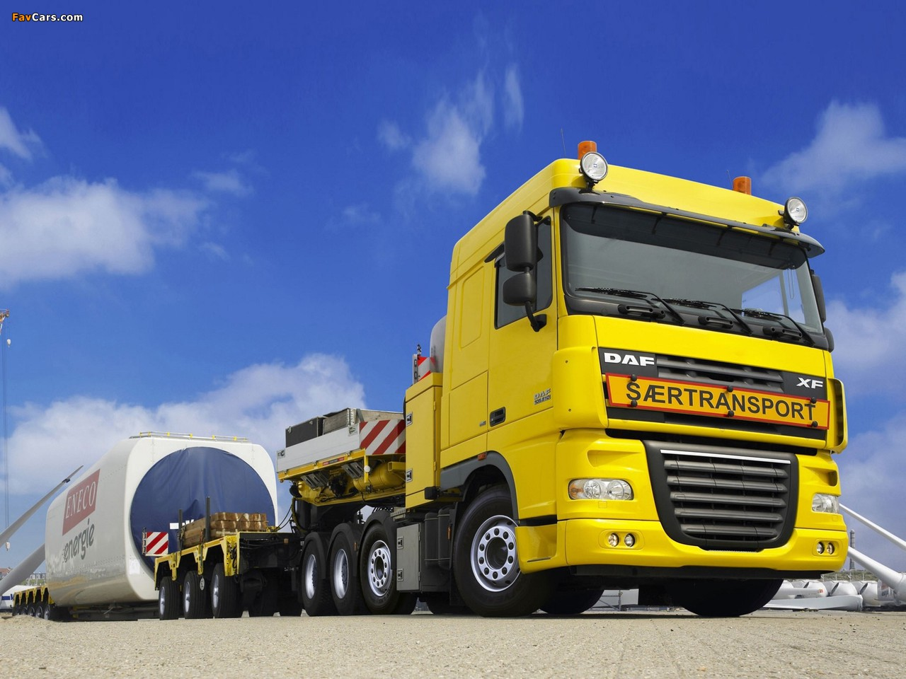 DAF XF105 8x4 FTM Space Cab 2006–12 images (1280 x 960)