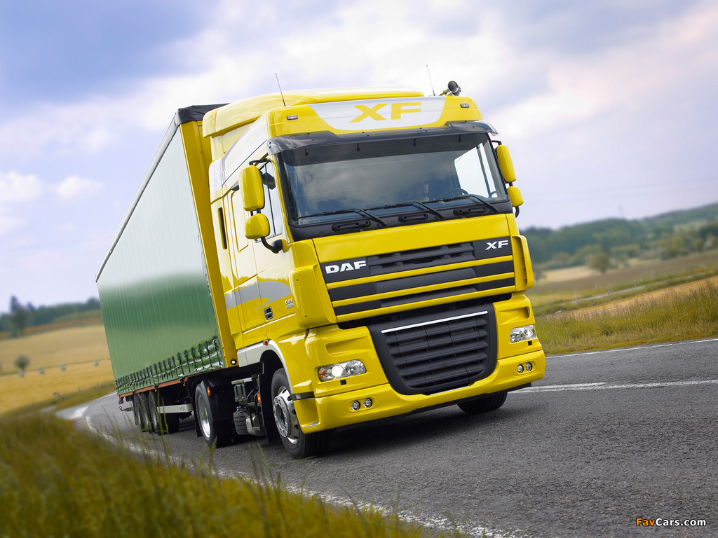 DAF XF105 4x2 FT Space Cab 2006–12 wallpapers (1024 x 768)