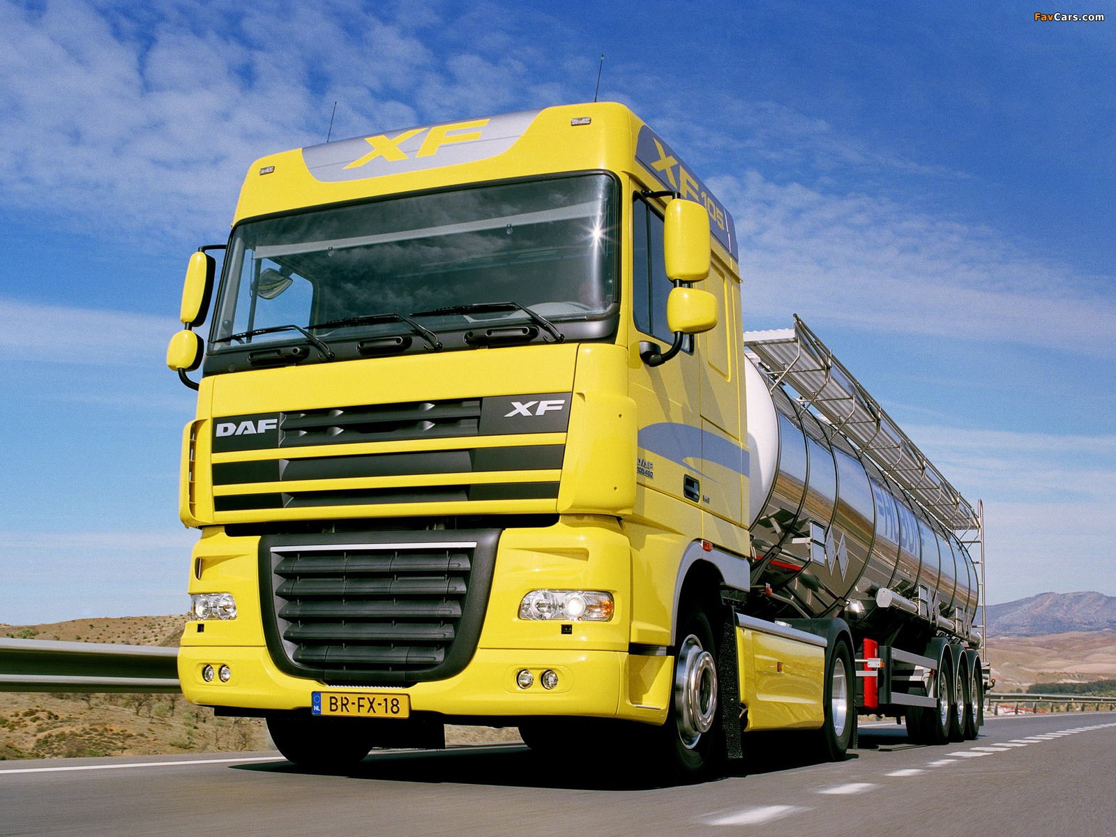 Pictures of DAF XF105 4x2 FT Space Cab 2006–12 (1600 x 1200)