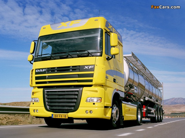 Pictures of DAF XF105 4x2 FT Space Cab 2006–12 (640 x 480)