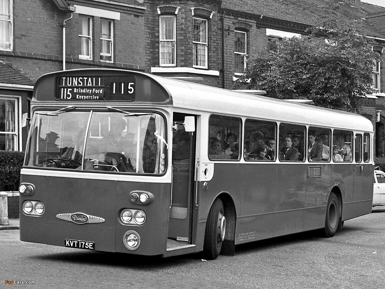 Daimler Roadliner SRC6 (B50F) 1967– images (1280 x 960)