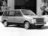 Photos of Dodge Caravan 1984–87