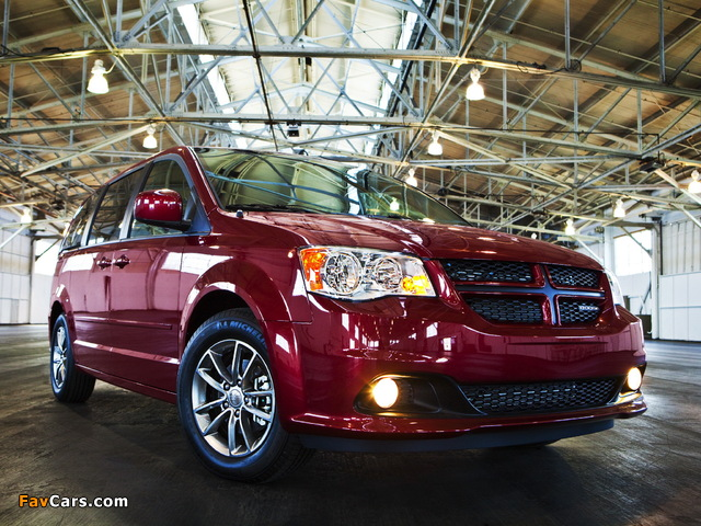 Photos of Dodge Grand Caravan R/T 2011 (640 x 480)