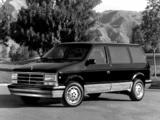 Pictures of Dodge Caravan 1987–90