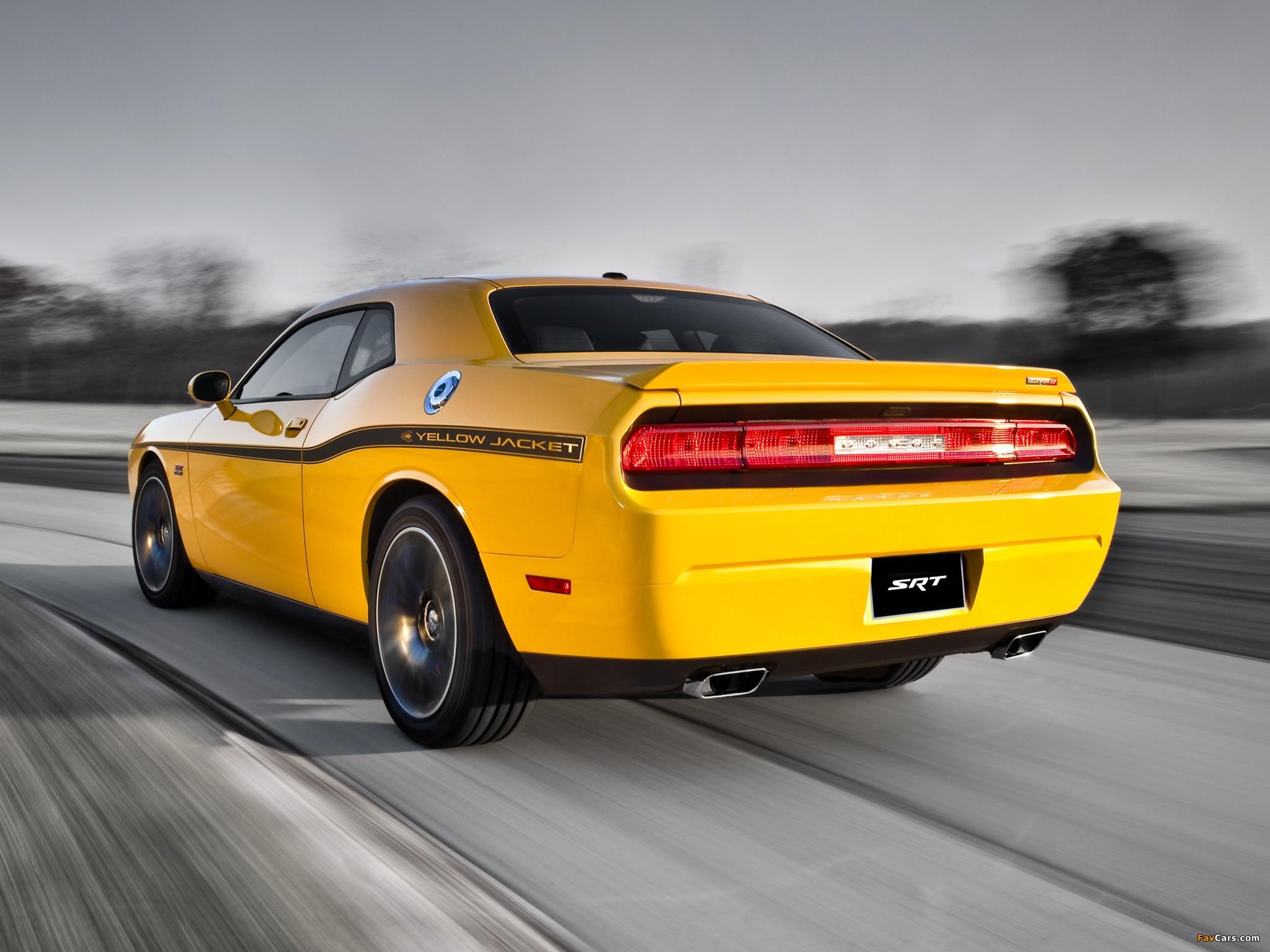 Dodge Challenger SRT8 392 Yellow Jacket (LC) 2012 wallpapers (2048 x 1536)