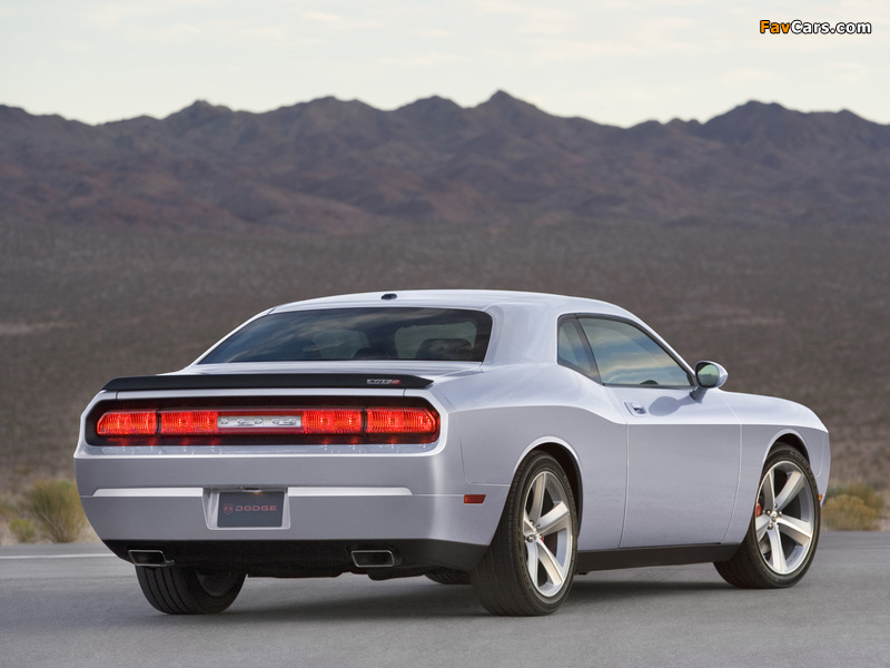 Images of Dodge Challenger SRT8 (LC) 2008–10 (800 x 600)