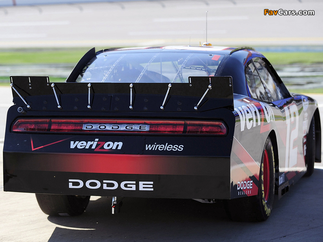 Photos of Dodge Challenger R/T NASCAR Nationwide Series (LC) 2010–12 (640 x 480)