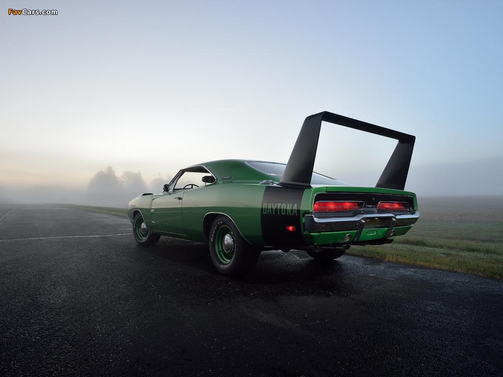 Dodge Charger Daytona Hemi 1969 wallpapers (1024 x 768)