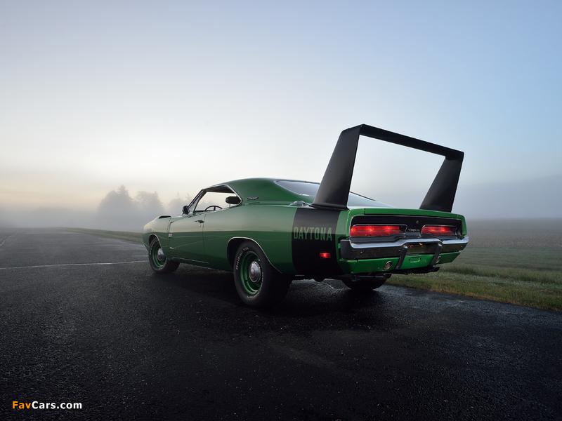 Dodge Charger Daytona Hemi 1969 wallpapers (800 x 600)