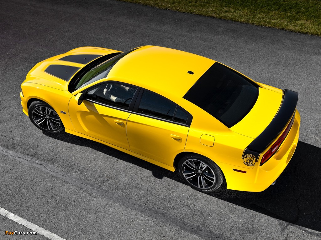 Dodge Charger SRT8 Super Bee 2012 pictures (1024 x 768)