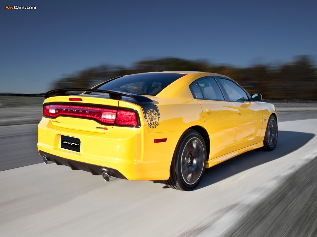 Dodge Charger SRT8 Super Bee 2012 wallpapers (1024 x 768)