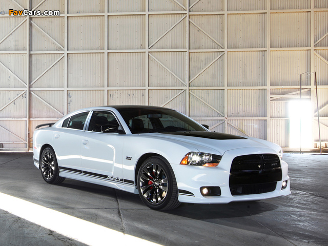 Dodge Charger SRT8 392 Appearance Package 2013 photos (640 x 480)