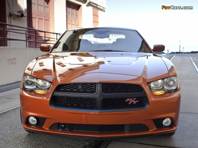 Photos of Dodge Charger R/T 2011 (640 x 480)