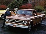 Dodge D100 Sweptline Pickup 1970 photos