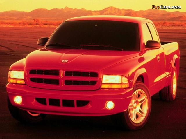 Dodge Dakota R/T Club Cab 1998–2004 pictures (640 x 480)