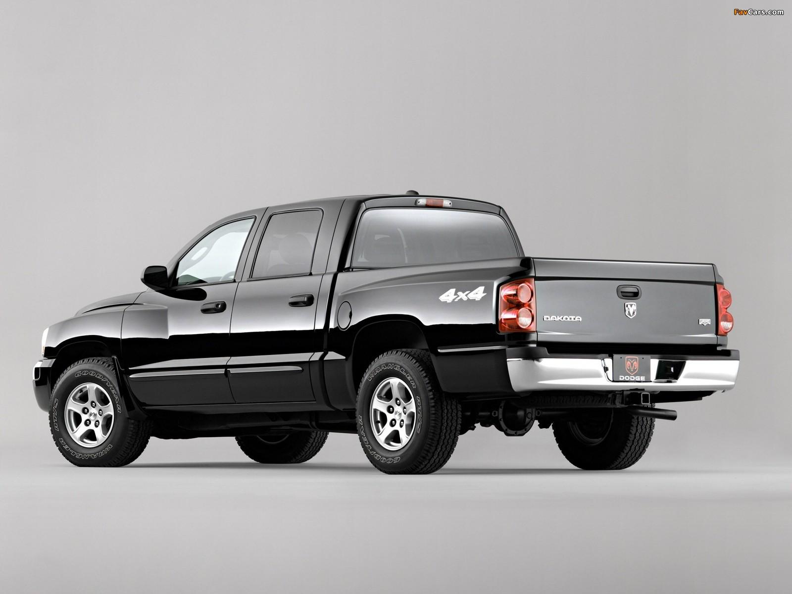 Dodge Dakota Laramie Quad Cab 2004–07 pictures (1600 x 1200)