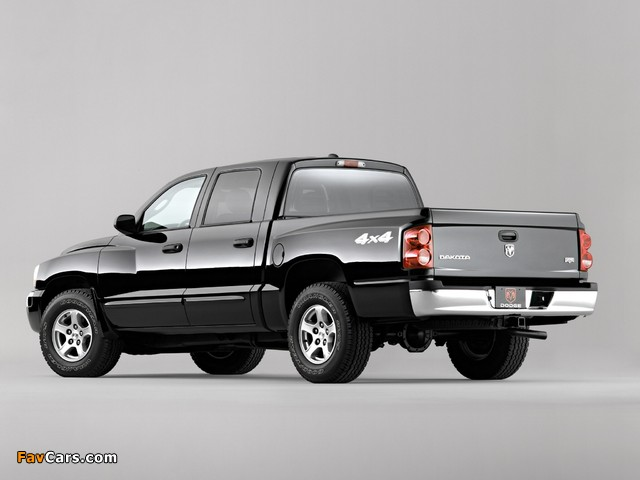 Dodge Dakota Laramie Quad Cab 2004–07 pictures (640 x 480)