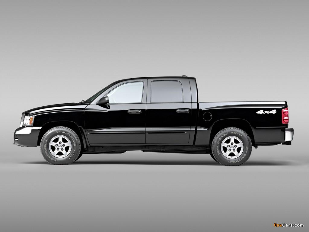 Pictures of Dodge Dakota Laramie Quad Cab 2004–07 (1024 x 768)