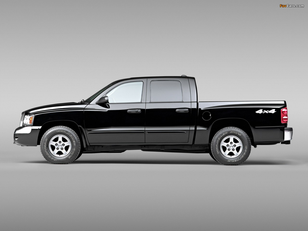 Pictures of Dodge Dakota Laramie Quad Cab 2004–07 (1280 x 960)