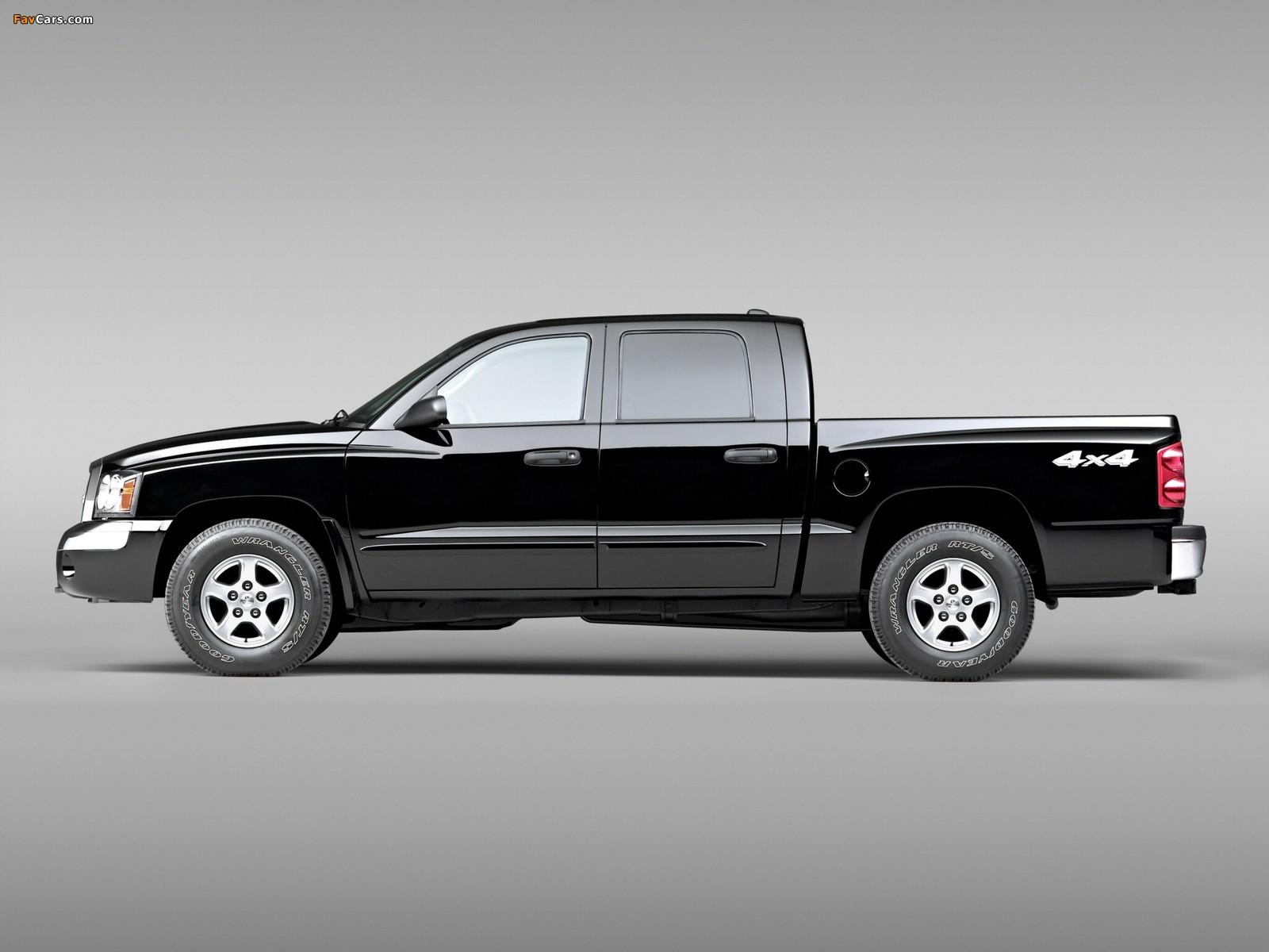 Pictures of Dodge Dakota Laramie Quad Cab 2004–07 (1600 x 1200)