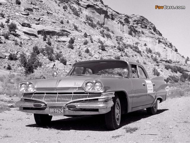Images of Dodge Dart Phoenix Sedan (H41) 1960 (640 x 480)