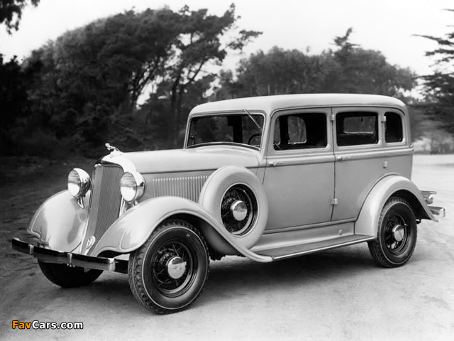 Images of Dodge DP 4-door Sedan 1933 (640 x 480)