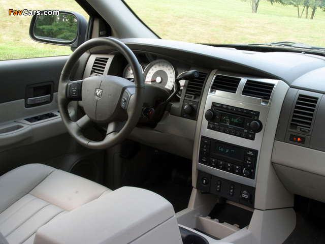 Dodge Durango Limited 2003–06 wallpapers (640 x 480)