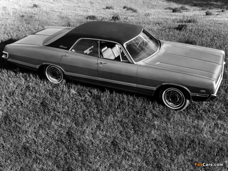 Dodge Monaco 4-door Hardtop 1969 images (800 x 600)