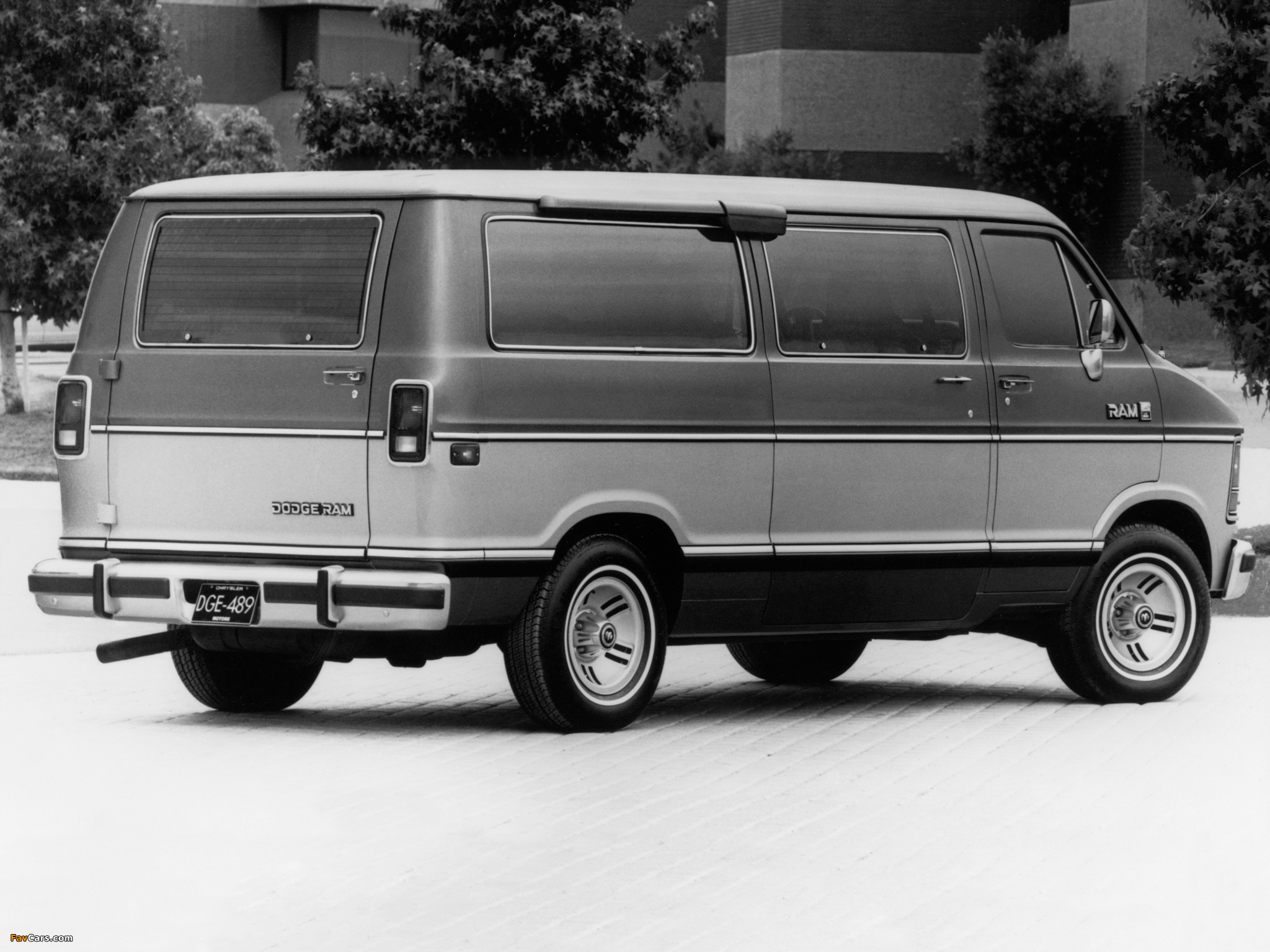 Dodge Ram Wagon 1986–93 pictures (2048 x 1536)