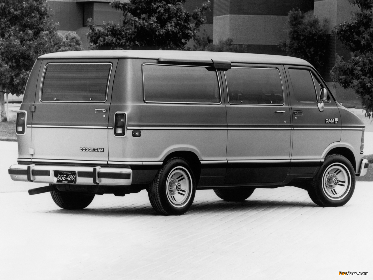 Dodge Ram Wagon 1986–93 pictures (1280 x 960)