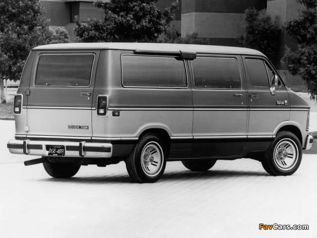 Dodge Ram Wagon 1986–93 pictures (640 x 480)